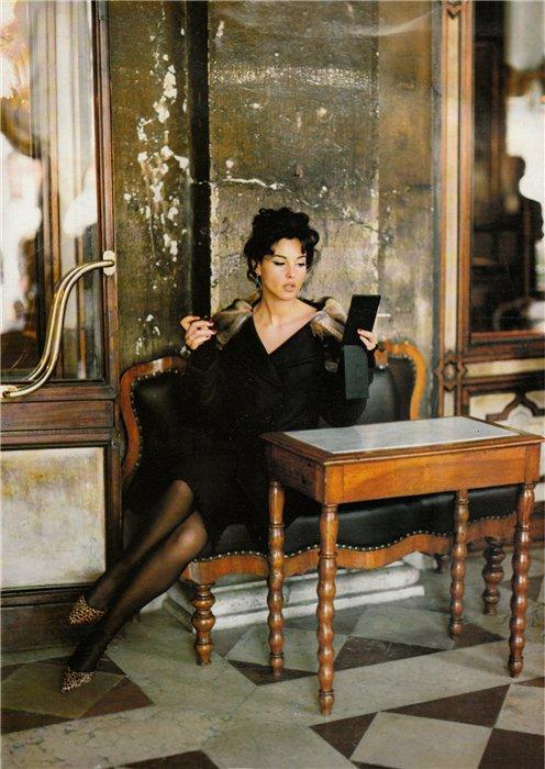 Monica Bellucci Vogue Italia Ottobre 1994 by Walter Chin