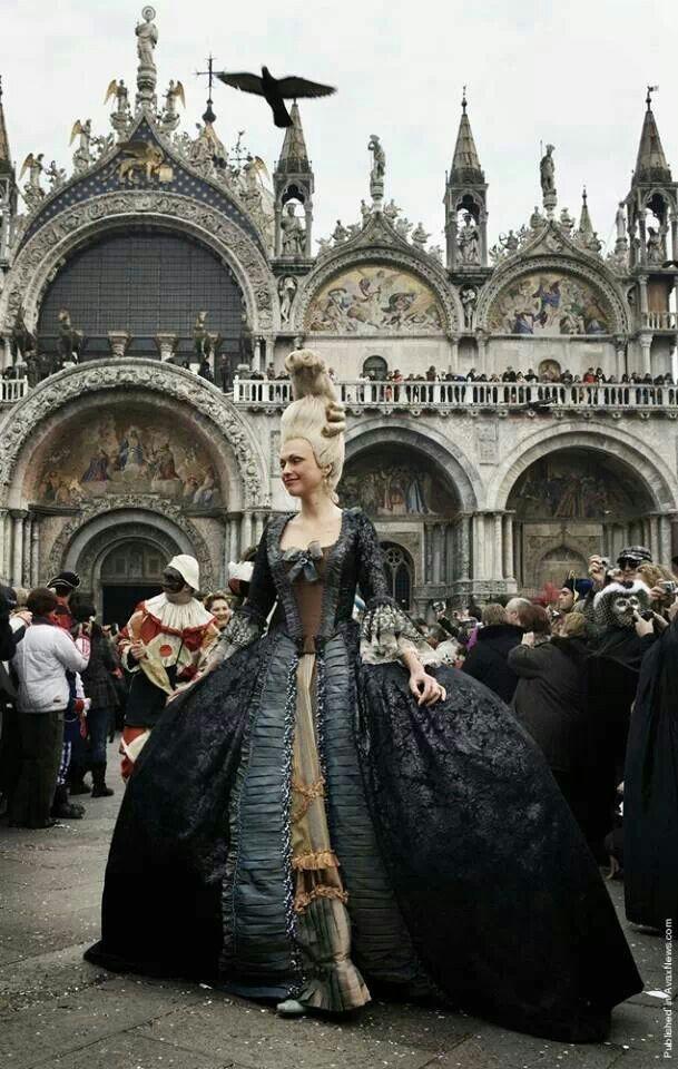 Dama Piazza San Marco Carnevale Venezia
